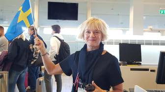 Ann Nääs boardar passagerare på premiärflighten till Budapest från Göteborg Landvetter Airport. Foto: Louise Arvidsson