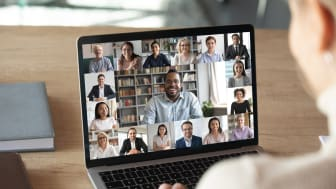 How to apply the principles of TV news presentation to make video conferences engaging and productive