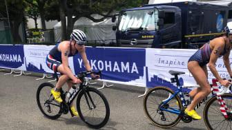 Lotte Miller fra Bryne Triatlonklubb skjøt fart gjennom svingene i Yokohama og preget løpet sammen med flere amerikanere.