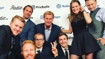 GLADE PRISVINNERE FRA P4: En fornøyd gjeng etter blant annet å ha fått prisen for Årets Radiokanal, Årets Morgenflate og Årets Musikkanal. FOTO: Pernille Thorbjørnsen.