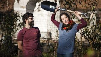 Ernesto Diaz Salavdor och Agnes Fischer är glada över att ha vunnit Årets Spadtag. Foto Helena Kaasik