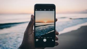 Så håller du din mobiltelefon vid liv under semestern