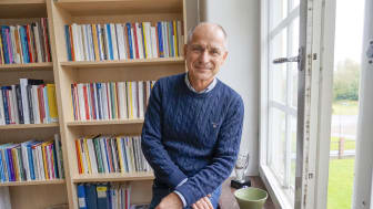 Professor Staffan Karlsson håller äldrevården väldigt högt och tycker därför att det känns roligt att komma till Kristianstad som har en tydlig äldreprofil.