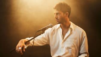 Darin åker på akustisk turné och släpper nytt livealbum