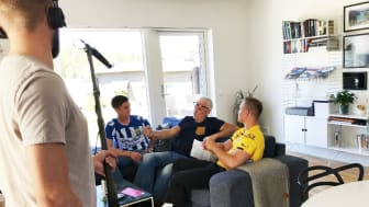 William Florin, IFK Göteborg, legendaren Glenn Hyssén och Oscar Daggberg, IF Elfsborg, på plats under The Supporter Roommate Challenge.