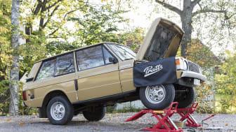Lyft i fram- eller bakändan och få fritt utrymme till bilens undersida. Hydrauliska lyftramper är ett smart sätt att lyfta bilen för oljebyte eller diverse reparationer – utan en domkraft som är i vägen.