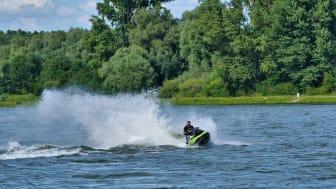 Transportstyrelsen missar helhetsgrepp om snabba båtar, endast vattenskoter ska kräva särskild kompetens enligt myndigheten.
