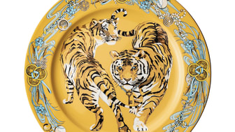 For the Chinese New Year 2022, Rosenthal picks up on the tiger sign in a powerful design.