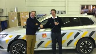 Trond Gladsø, salgssjef i Toolpack AS (venstre), Christian Salvesen, prosjektansvarlig for samarbeidet hos KGK Norge AS (høyre).