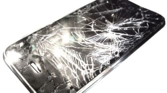 iPhone Repairs UK - In house with guaranteed standards for 14 years.