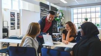 """Rekordmånga vill studera på Watmas gymnasieskolor: """"Bästa betyget vi kan få"""""""