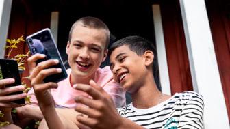 Telias topp 10 juni: Nordmenn vil ha Apple og Samsung