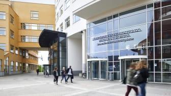 Jönköping International Business School får fortsatt ackreditering av organisationen AACSB.