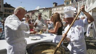 Tessiner Risotto-Meisterschaft auf der Piazza Grande in Locarno © Garbani