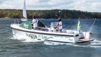Håll utkik efter Ölbåten i sommar - Bjuder på kall alkoholfri bärs i Stockholms skärgård
