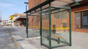 I december förra året drogs den nybyggda busshållplatsen för linje 115 vid Bromma sjukhus in.