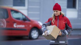Postens nye tjenstene dør til dør i løpetav to timer finnes i flere av de største byene. Foto: Veslemøy Vråskar