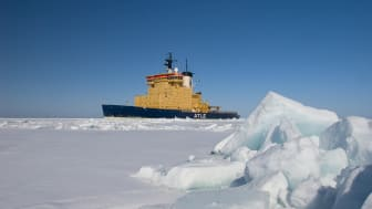 Atle inledde under måndagen sin isexpedition för året. Därmed är samtliga fem statsisbrytare i drift. Foto: Sjöfartsverket