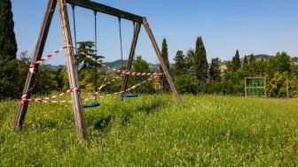 Nu ska Dalarnas lekplatser tillsynas och bli säkrare! Foto: Paolo d'Andrea/Unsplash