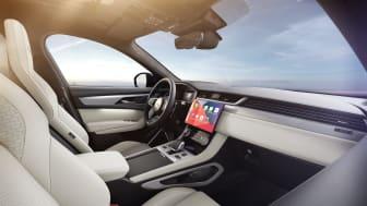 Jag_F-PACE_22MY_07_Light_Oyster_Interior_Wireless_Apple_CarPlay_110821
