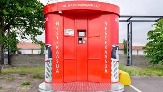 Nestekaasuautomaatti toimii 24/7, joten tyhjän nestekaasupullon voi vaihtaa helposti täyteen vaikka iltamyöhään.