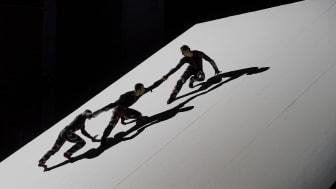 """Ur """"Skid"""", av Damien Jalet, med GöteborgsoOperans Danskompani. Foto: Mats Bäcker"""