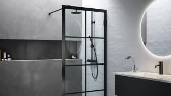 Pyöreä Selfie -peili ja 180° Ristatekevät kylpyhuoneesta tyylikkään. Musta on ajatonta - niin luonnossa kuin kylpyhuoneessakin.