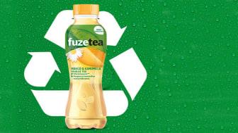 Valtaosa Coca-Colan pakkauksista Suomessa on kokonaan tai osittain valmistettu kierrätetystä muovista. Nyt myös  FuzeTea -pullot on valmistettu 100% uusiomuovista.