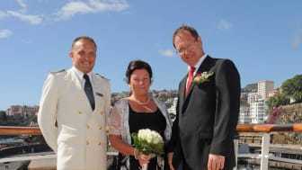 Renew your wedding vows with Fred.!