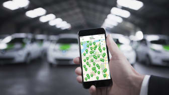Det danska företaget GreenMobility erbjuder 100 elektriska bilar till Göteborgs stadsbor tillsammans med laddning från Göteborg Energis publika laddnätverk och parkeringsplatser från Parkering Göteborg.