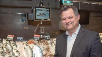 Bjørn-Erik Stabell ved spansk fiskedisk