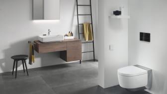 Geberit Variform pesuallas ja allaskaappi laatikoilla, AquaClean Mera Comfort wc-istuin, Sigma80 huuhtelupainike, Option Plus peili