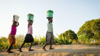 Team Power Woman marscherar med WaterAid för jämställdhet och rent vatten