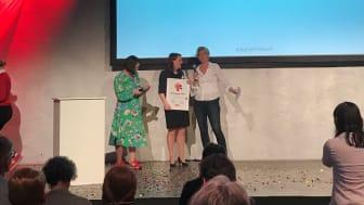 "Verleihung des Digital PR Award in der Rubrik ""Newcomer des Jahres"": Lina Lubenska , Catharina Kern, Sylvia Eberl (v.l.n.r.)"