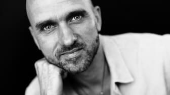 Jakob Lund fra Breath SMART-initiativet byder atter inden for til Koncert, meditation og åndedræt på Toldkammeret den 4. november.