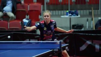 Stina Källberg, som spelar för Halmstad BTK i damernas Pingisligan by STIGA, får nu en paus till sista januari. Foto: Jens Oredsson