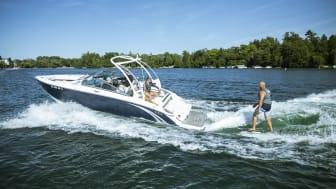 Det nye Bravo drev fra Mercury Marine giver nu endnu bedre muligheder for surf sport, uden brug af liner