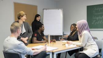 Die Hephata-Akademie bietet Ausbildung in Voll- und Teilzeit in folgenden Berufen an: Pflegefachfrau/-mann, Altenpflegehelfer/in, Diakon/in, Erzieher/in, Heilerziehungspfleger/in, Heilpädagoge/-in, Krankenpflegehelfer/in.