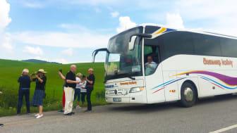 Fler väljer klimatsmarta bussresor på semestern – slår tåget med råge