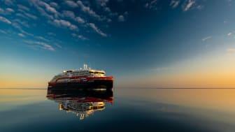 BREAKING NEW GROUND: Hurtigruten's MS Roald Amundsen in the Northwest passage - as the first  hybrid powered ship to traverse the legendary passage. PHOTO: KARSTEN BIDSTRUP/HURTIGRUTEN