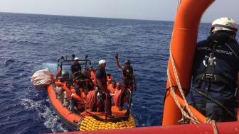 Totalt räddades 85 personer, varav 25 är barn. Den yngsta är bara ett år gammal. Foto: Hannah Wallace Bowman.