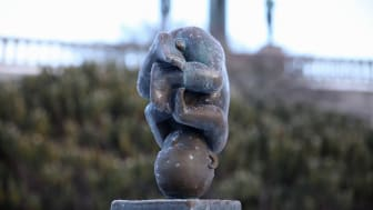 Fosteret - skulptur av Gustav Vigeland.