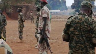 Beväpnade soldater från South Sudan People's Defence Forces (SSPDF). Bilden är tagen under Amnestys research i  Sydsudan som ägder rum i början av 2020.