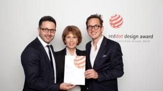 Red Dot Award-Gewinner: Carsten Frederik Buchert (Leiter Marketing & Communications, Felix Burda Stiftung), Dr. Christa Maar (Vorstand, Felix Burda Stiftung), Jan Kruse (Geschäftsführer, Ligalux)