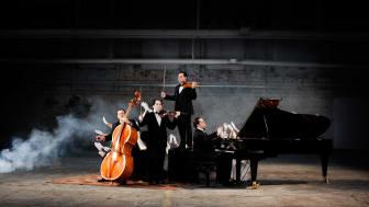Janoska Ensemble - Copyright Julia Wesely (5).jpg
