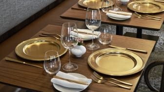 Highlights at the table: the new Sambonet finish Diamond gives cutlery and show plates a unique shimmering look.