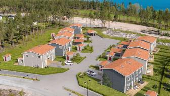Brf Havsglimten blir 18 bostäder i parhus, bara ett stenkast från havet.