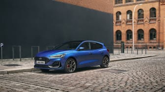 2021_FORD_FOCUS_ST-LINE_OUTDOOR_02