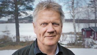 Under många år irriterade sig Sven-Olof på hur svårt det är att få överblick över kryddorna och var frustrerad över dubbletter och utgångna datum på kryddburkar som stått gömda.