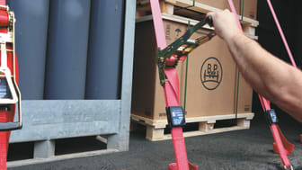 Digitally monitored cargo restraint system 'iGurt' prevents accidents and damage to the load